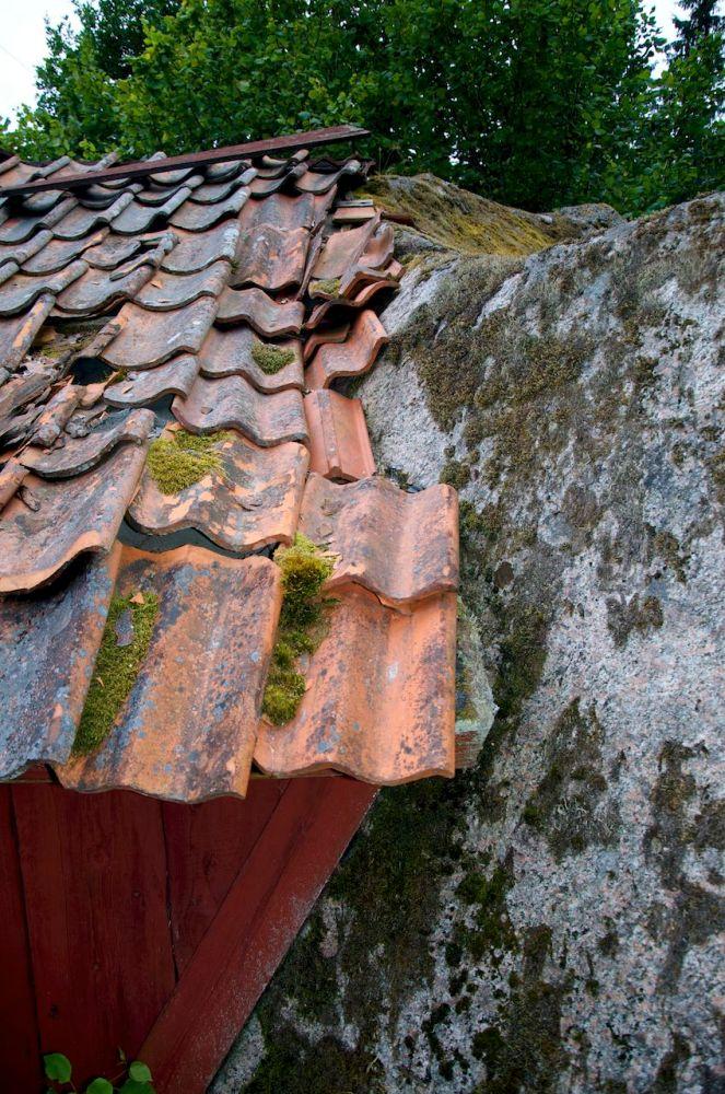 Torpet Damvik under Fjersbo, Kättilstad (E) - Ett troligen helt unikt torp med en stor sten som vägg (6/6)