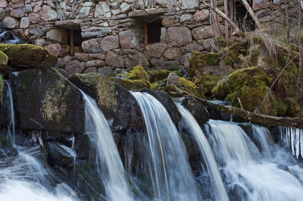 Fotoutflykter till Röttle by och Rävafallet. Innehåller också fototips på hur du fotograferar rinnande vatten (1/6)
