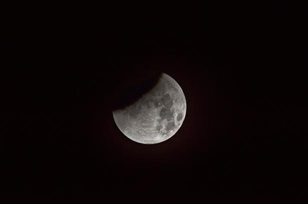 Månen den 28 september kl 03:28